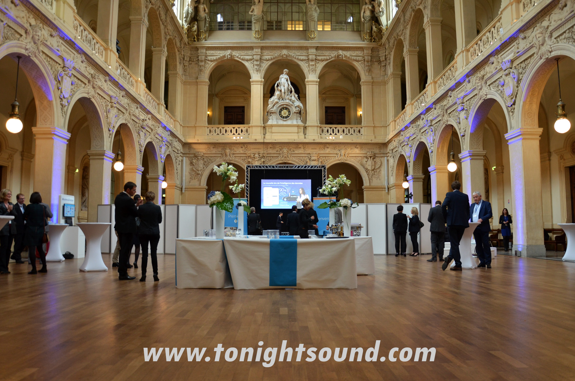 TONIGHTSOUND_SLIDE_18-salesforce-lyon1