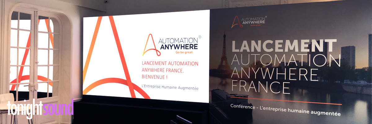 écran LED Automation Anywhere au Salon Hoche